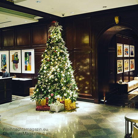 Christmas tree at the Georgia Hotel, Vancouver
